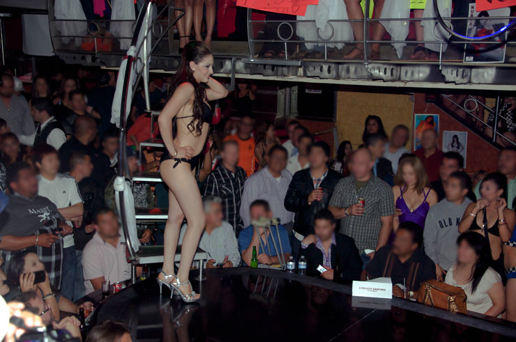 Tijuana strip clubs la amnesia